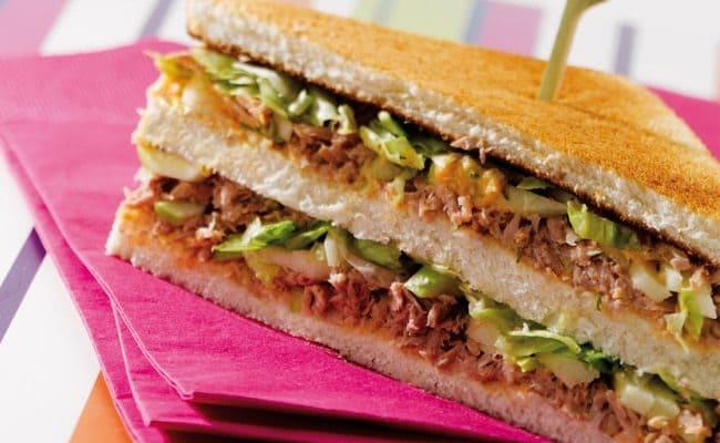 Club sandwich au thon